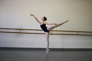 dancer-ballet-pointe-2858028-o